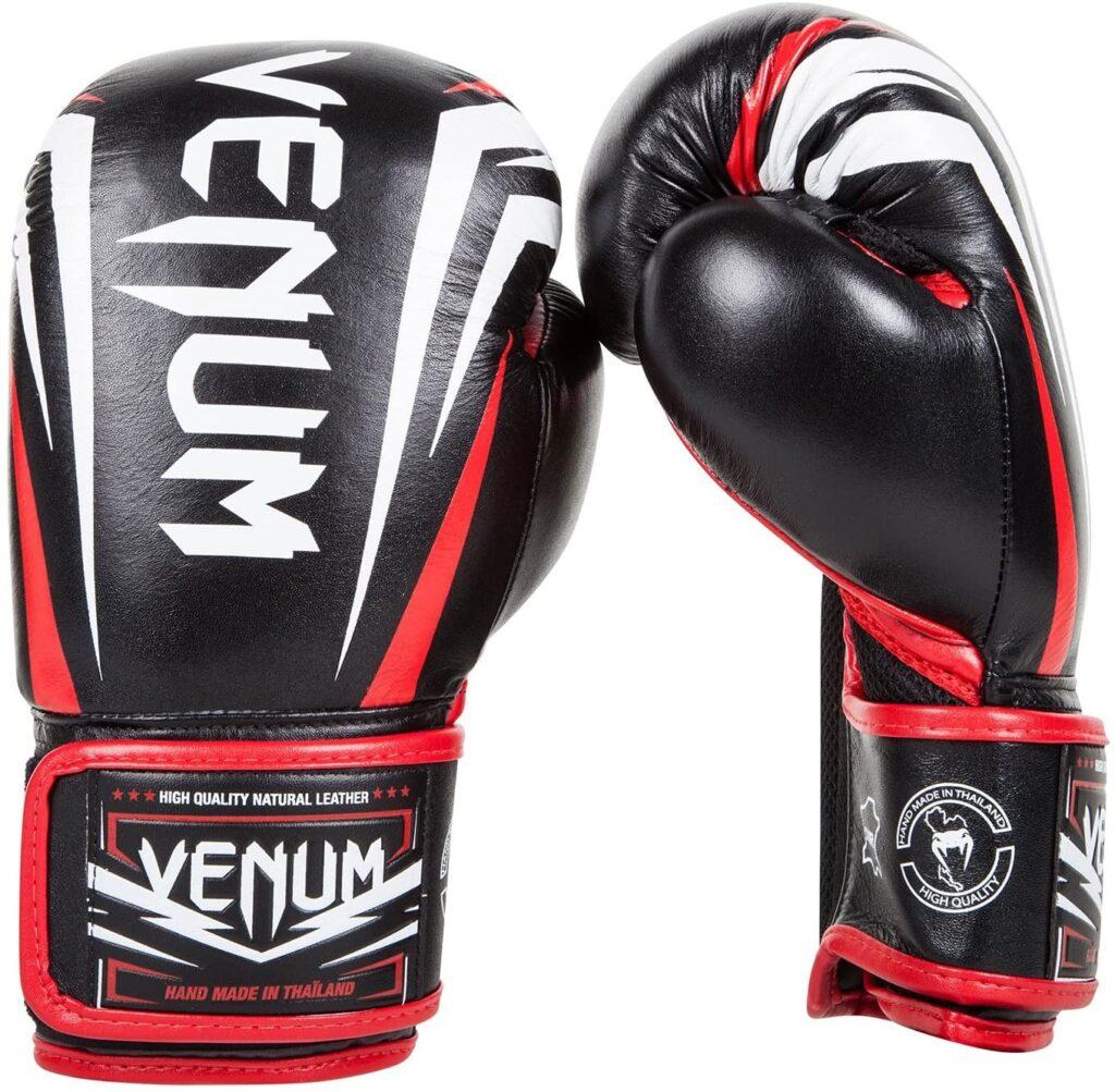 Guantes de Boxeo VENUM Sharp Color Negro Rojo